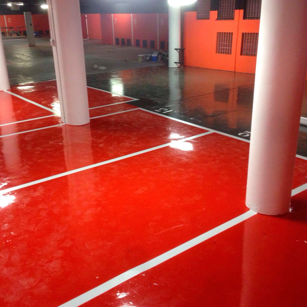 Pintura de parkings madrid pinfersan empresa de pintura for Pintura suelo parking